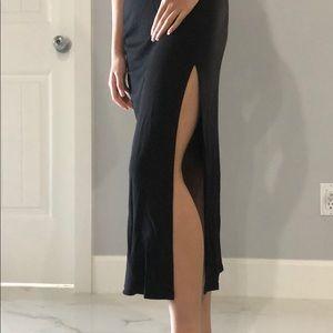 H&M Black Maxi Skirt w/ Open Slit on Side Size: XS